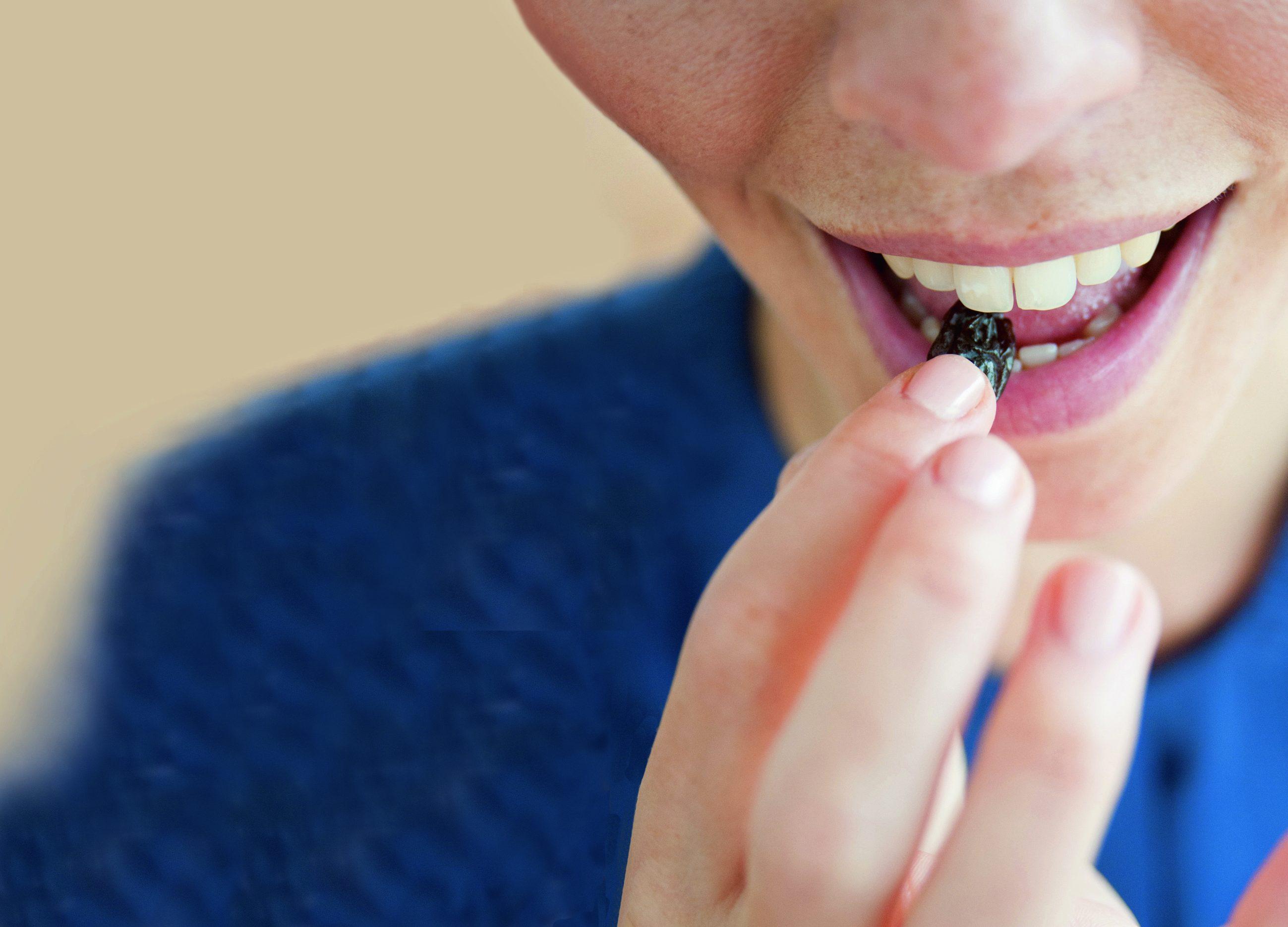 Rosinen schützen die Zähne