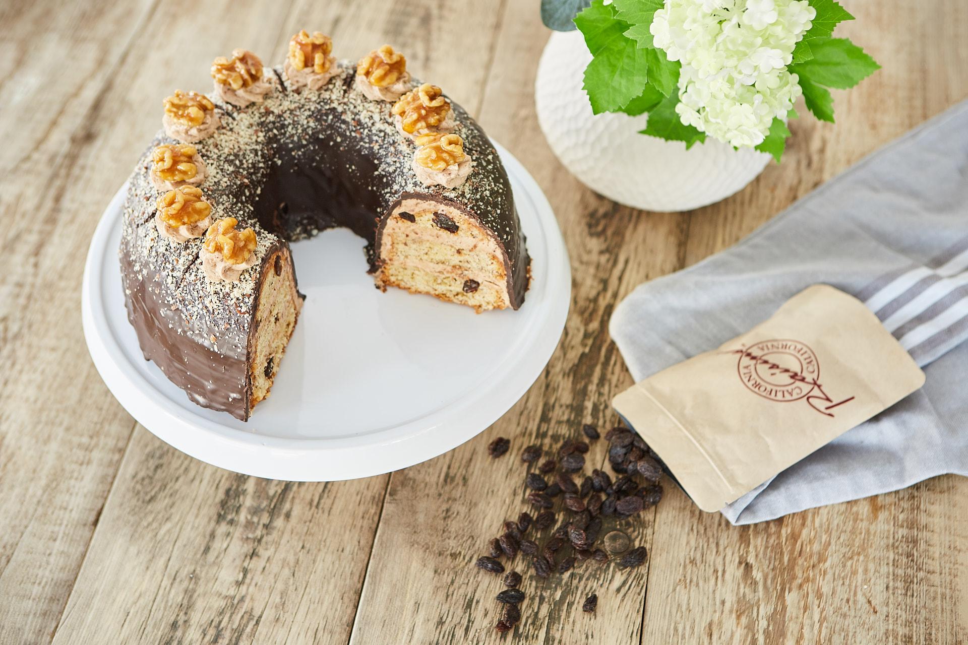 California Raisins Walnuss-Rosinen-Kranz mit Nougatcreme zu Ostern
