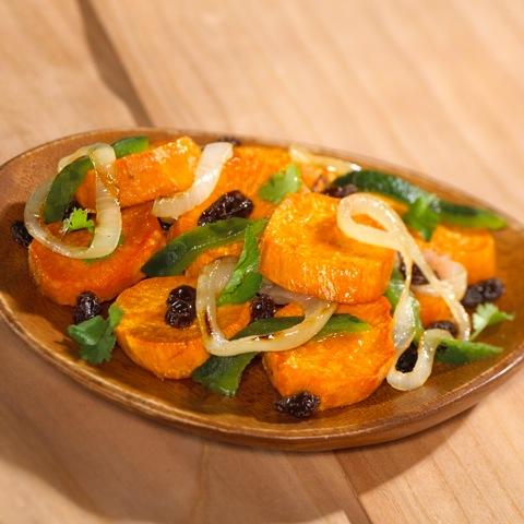 Süßkartoffeln mit Rosinen und Paprika